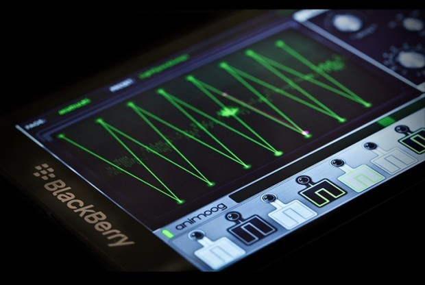 17.5.13 animoog-blackberry-synthesizer